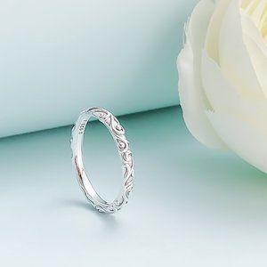 Regal Band Ring